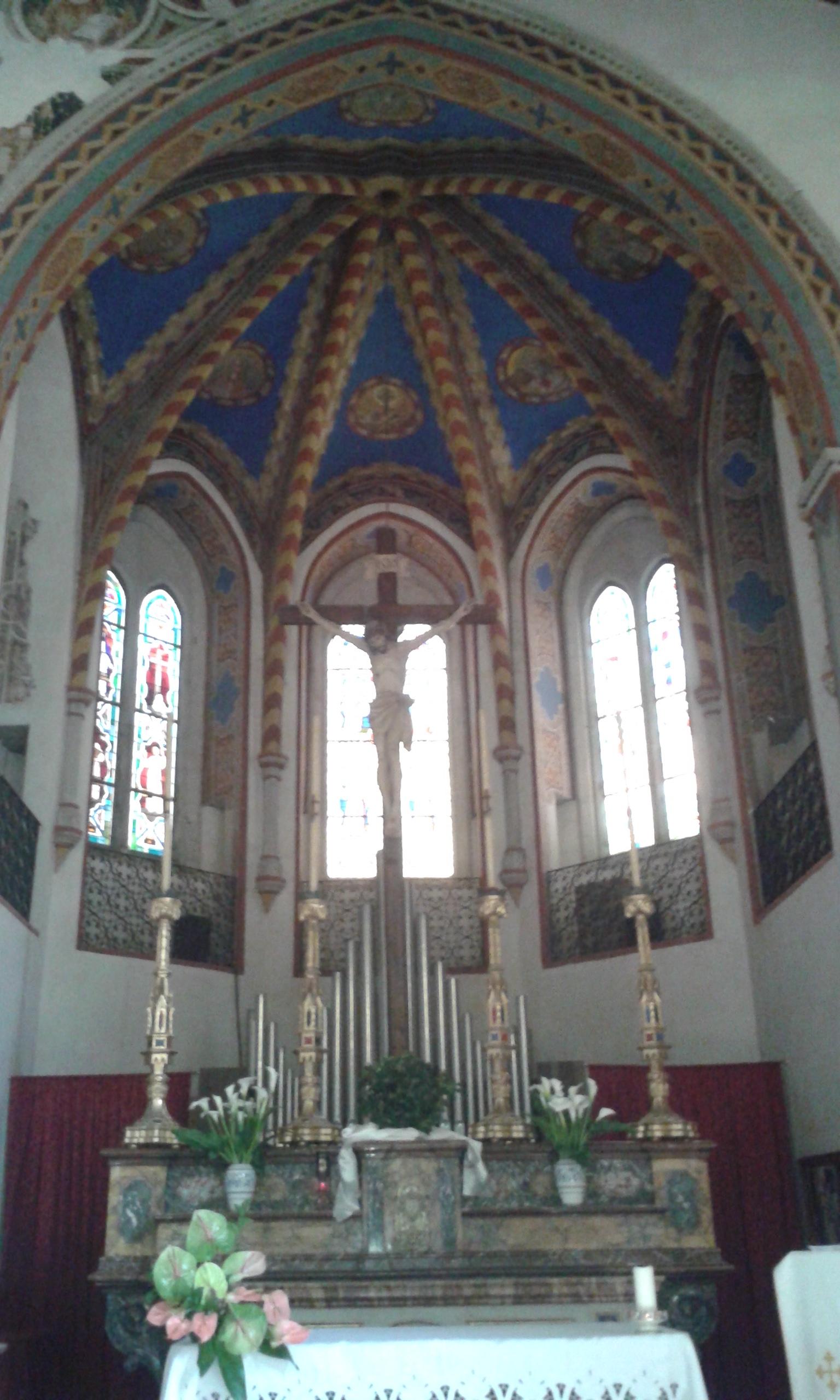 File chiesa di san francesco interno abside for Interno chiesa