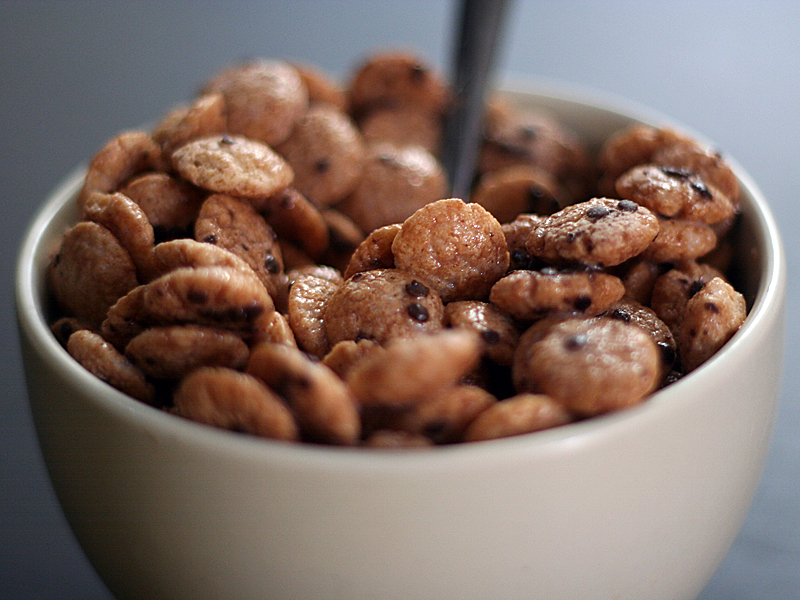 Cereal Cookie Crisp http://bg.wikipedia.org/wiki/%D0%A4%D0%B0%D0%B9%D0%BB:Cookie-crisp-cereal-side.jpg