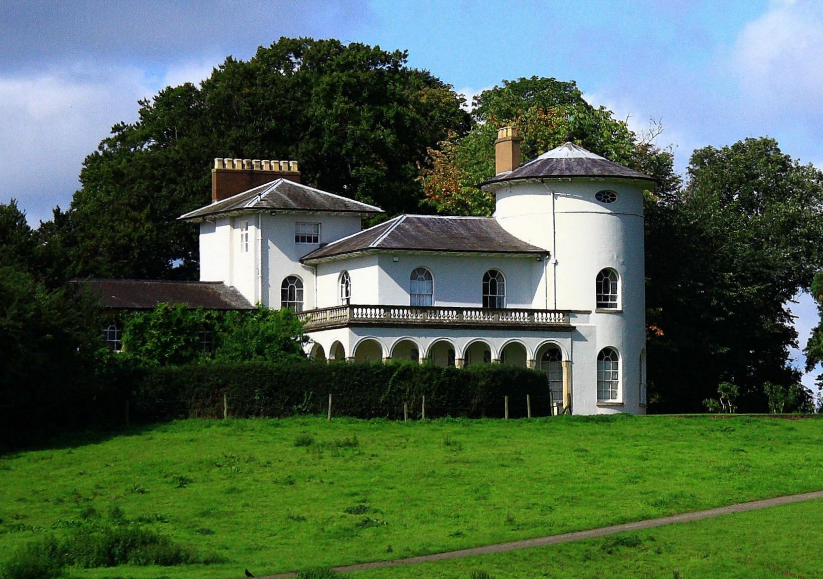 The picturesque style italianate architecture what do i for Architecture villa