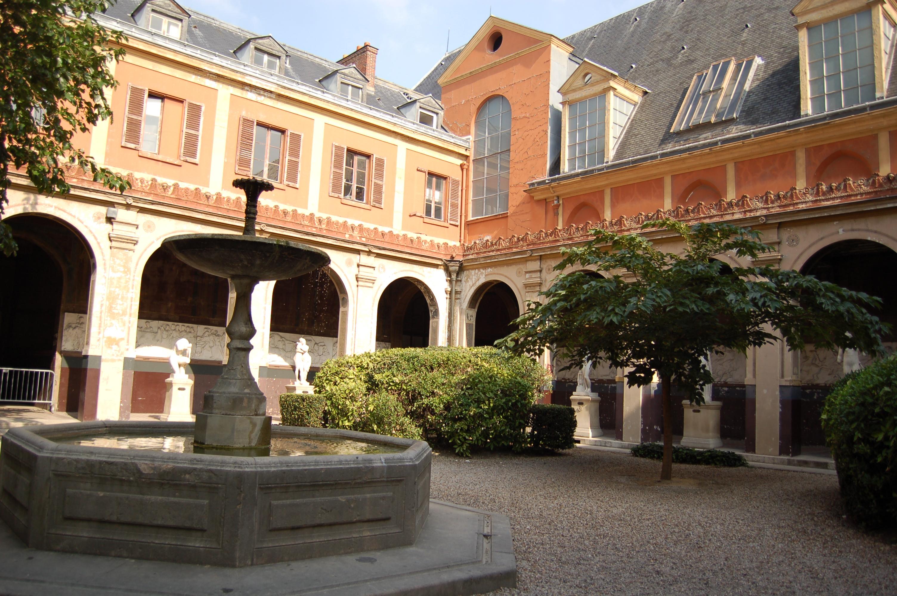 Bien-aimé File:Ecole Nationale Superieure des Beaux-Arts jardin.JPG  CE42
