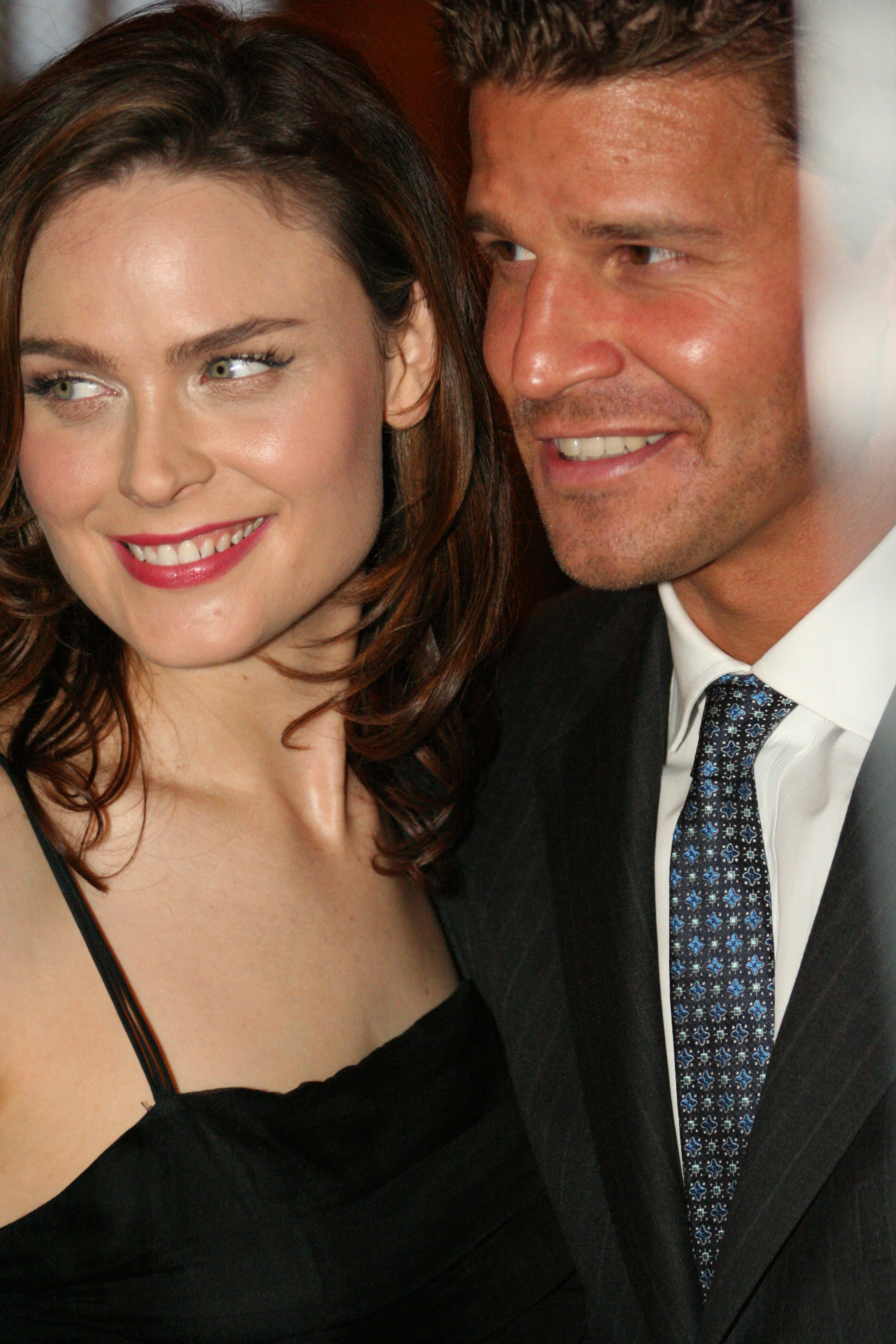 File:Emily Deschanel & David Boreanaz @ Farm Sancutary ...
