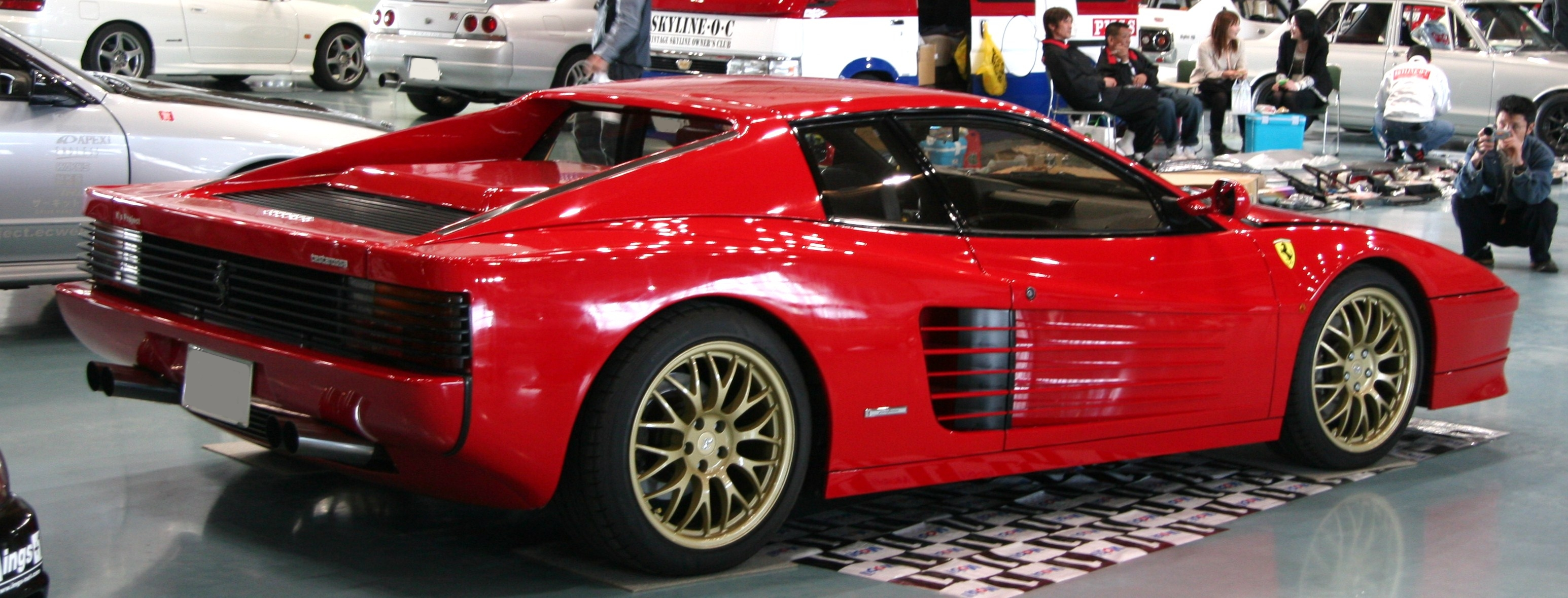 File:Ferrari Testarossa 01 rear.jpg - Wikimedia Commons