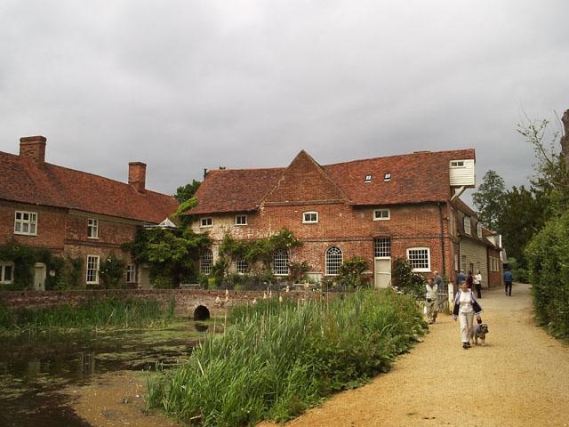 Flatford Mill - geograph.org.uk - 574302