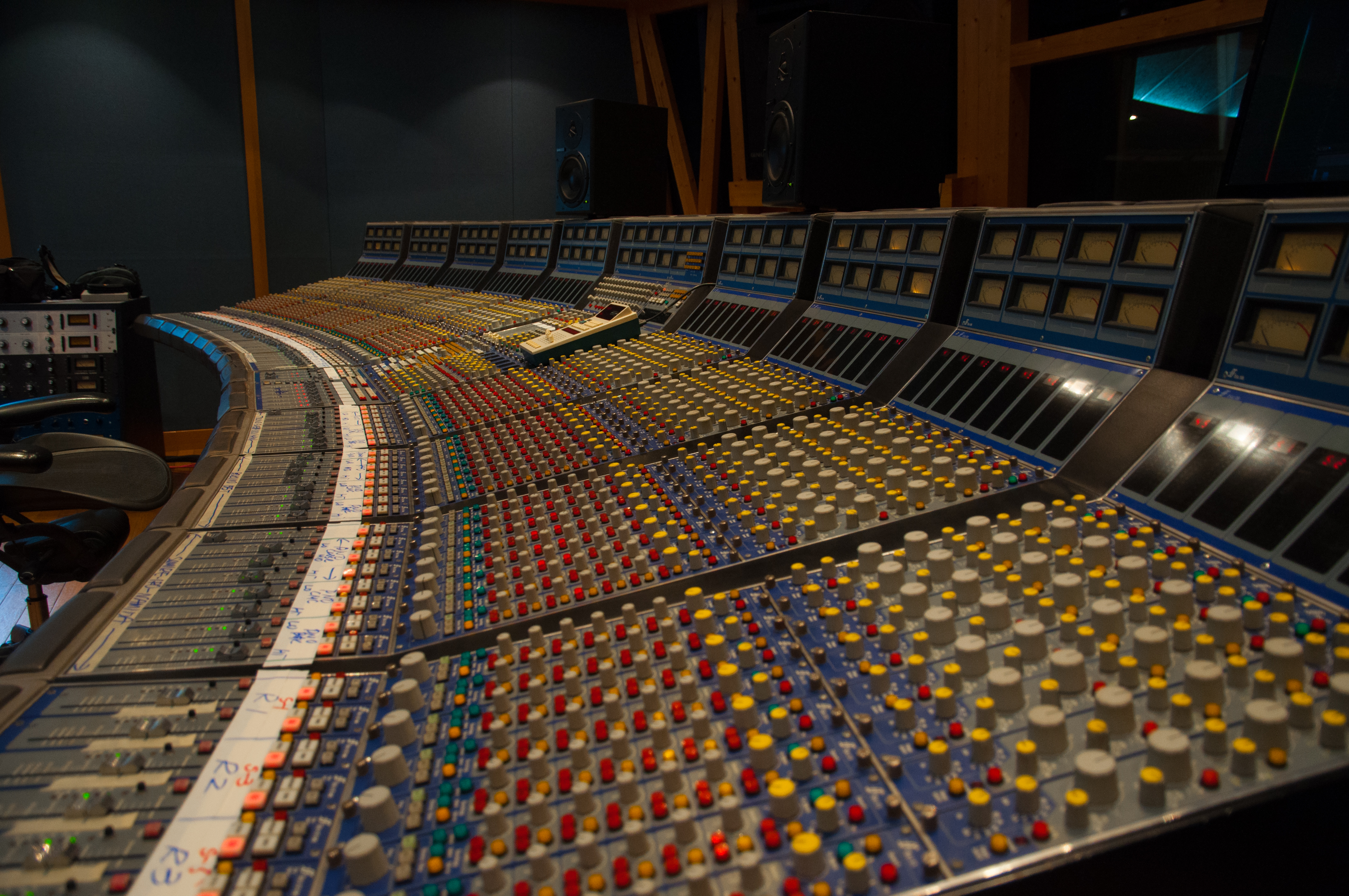 File:Focusrite Studio Console @ Sound City Setagaya DSC 1931 jpg