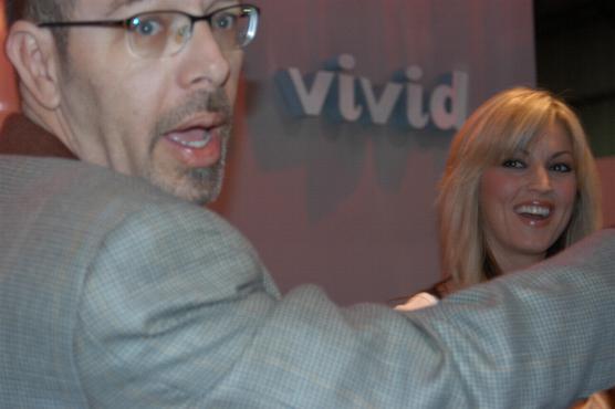 File:Howard Levine and Janine Lindemulder at 2005 AEE Thursday.jpg