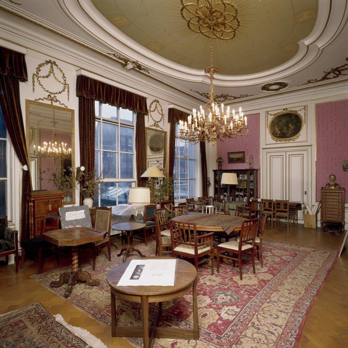 file interieur bel etage achterzijde achterzaal interieur zaal met neoclassicistische. Black Bedroom Furniture Sets. Home Design Ideas