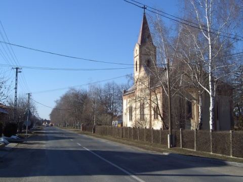 Kakucs 2004, Szent Kereszt-templom