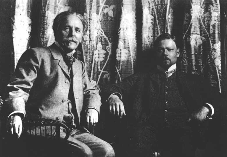 File:Karl May with Sascha Schneider, 1904.jpg