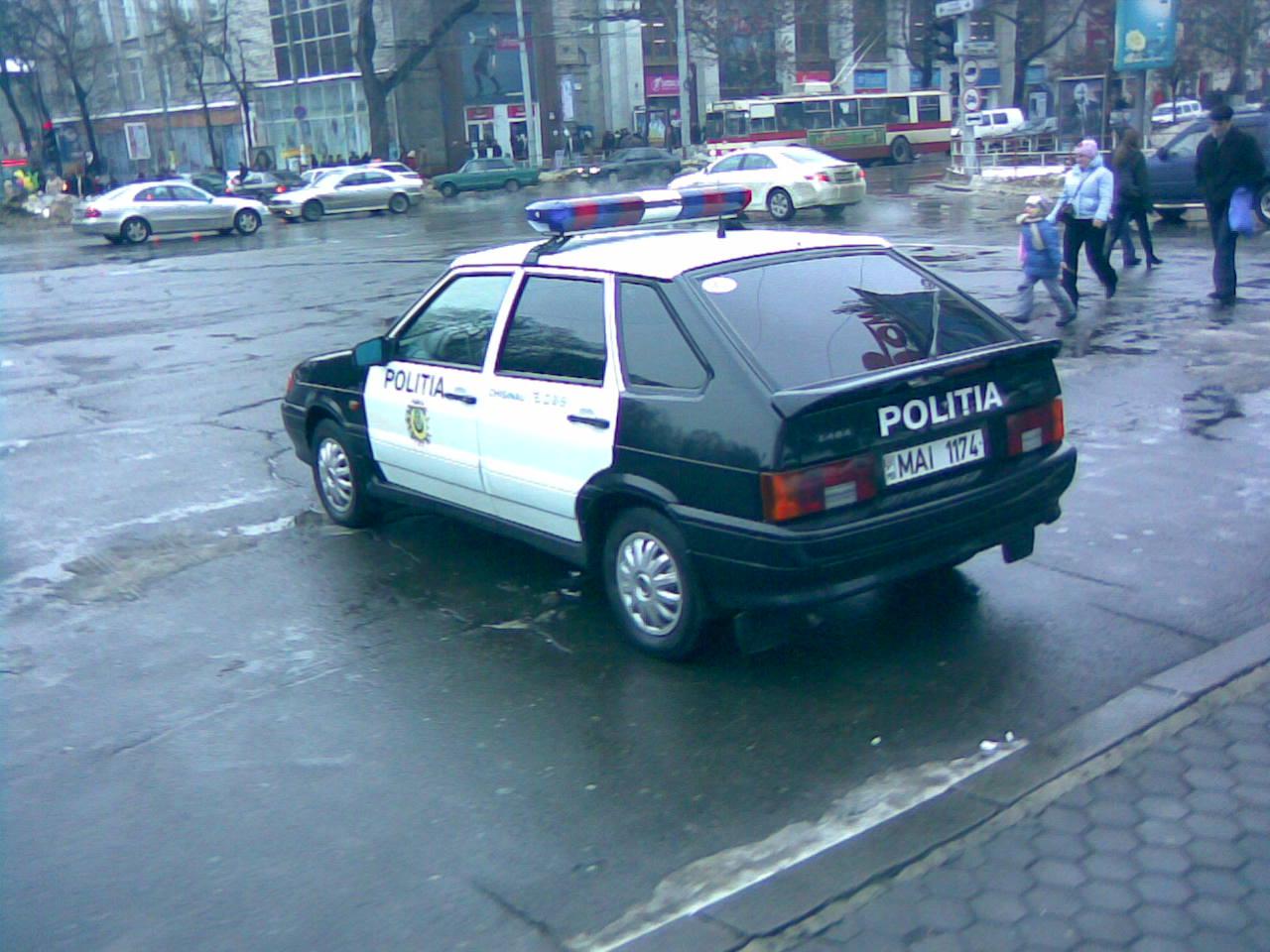 File:Lada 2114 politia 02.jpg