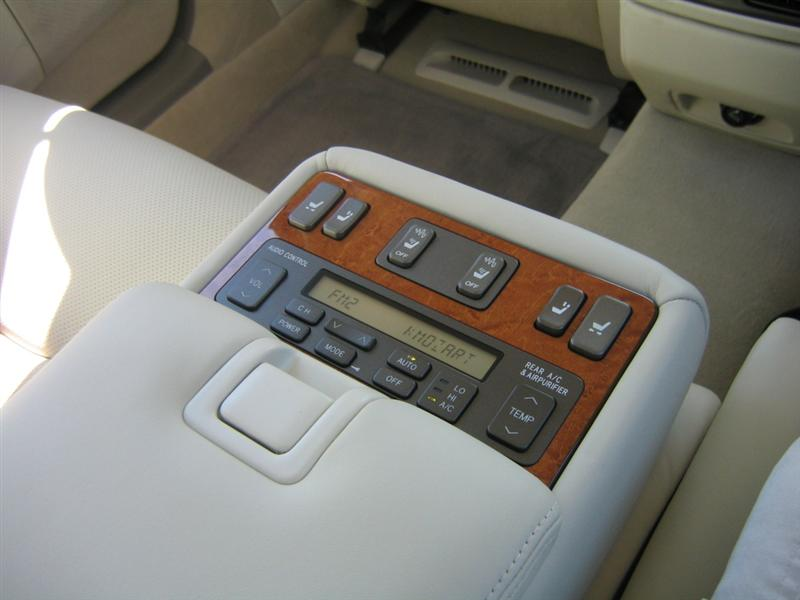 Rear Seat In Car Meaning
