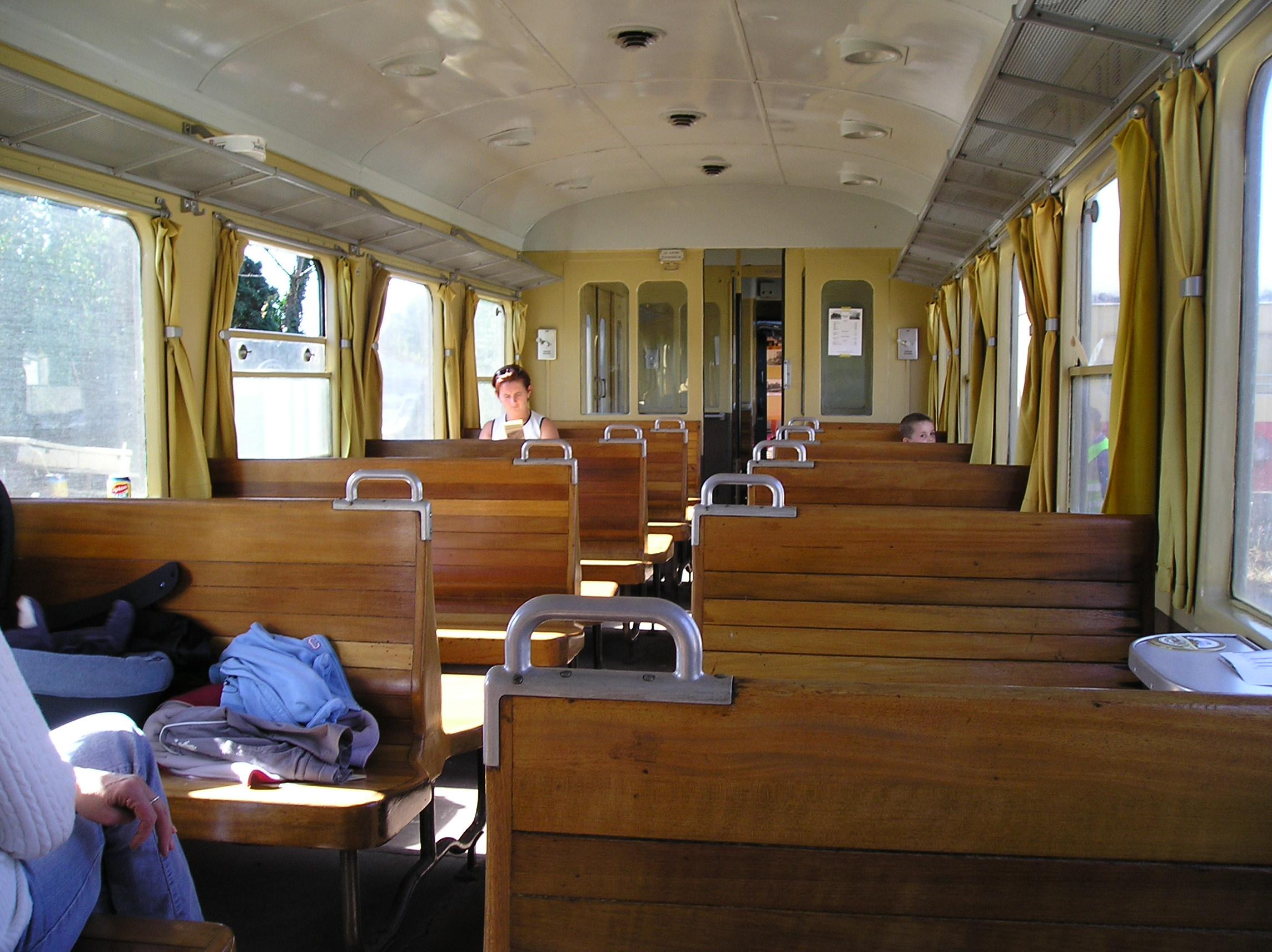 file m1 rail car interior 23 jpg wikimedia commons. Black Bedroom Furniture Sets. Home Design Ideas