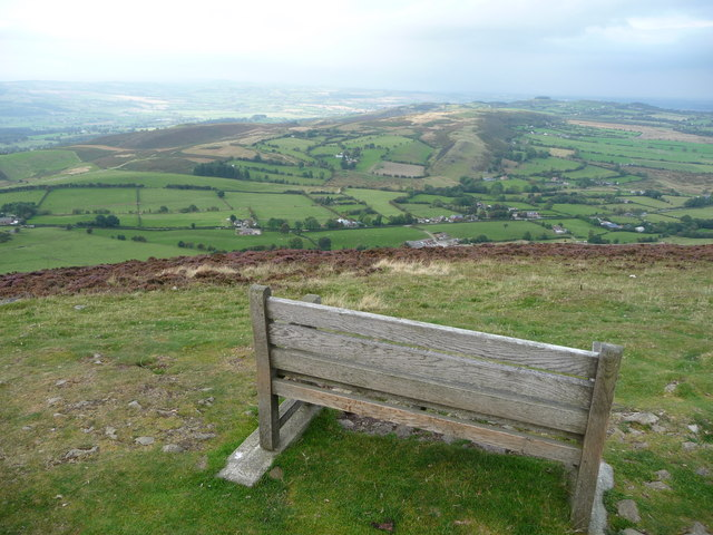 Mitchell's Fold on Stapeley Hill from Corndon Hill summit - geograph.org.uk - 1499014