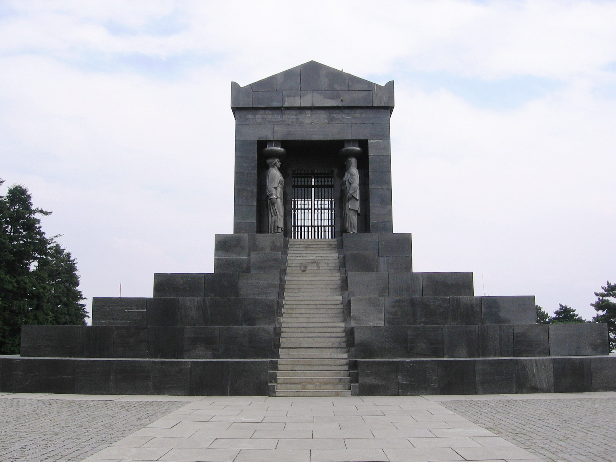 Spomenik Neznanom junaku — Vikipedija, slobodna enciklopedija