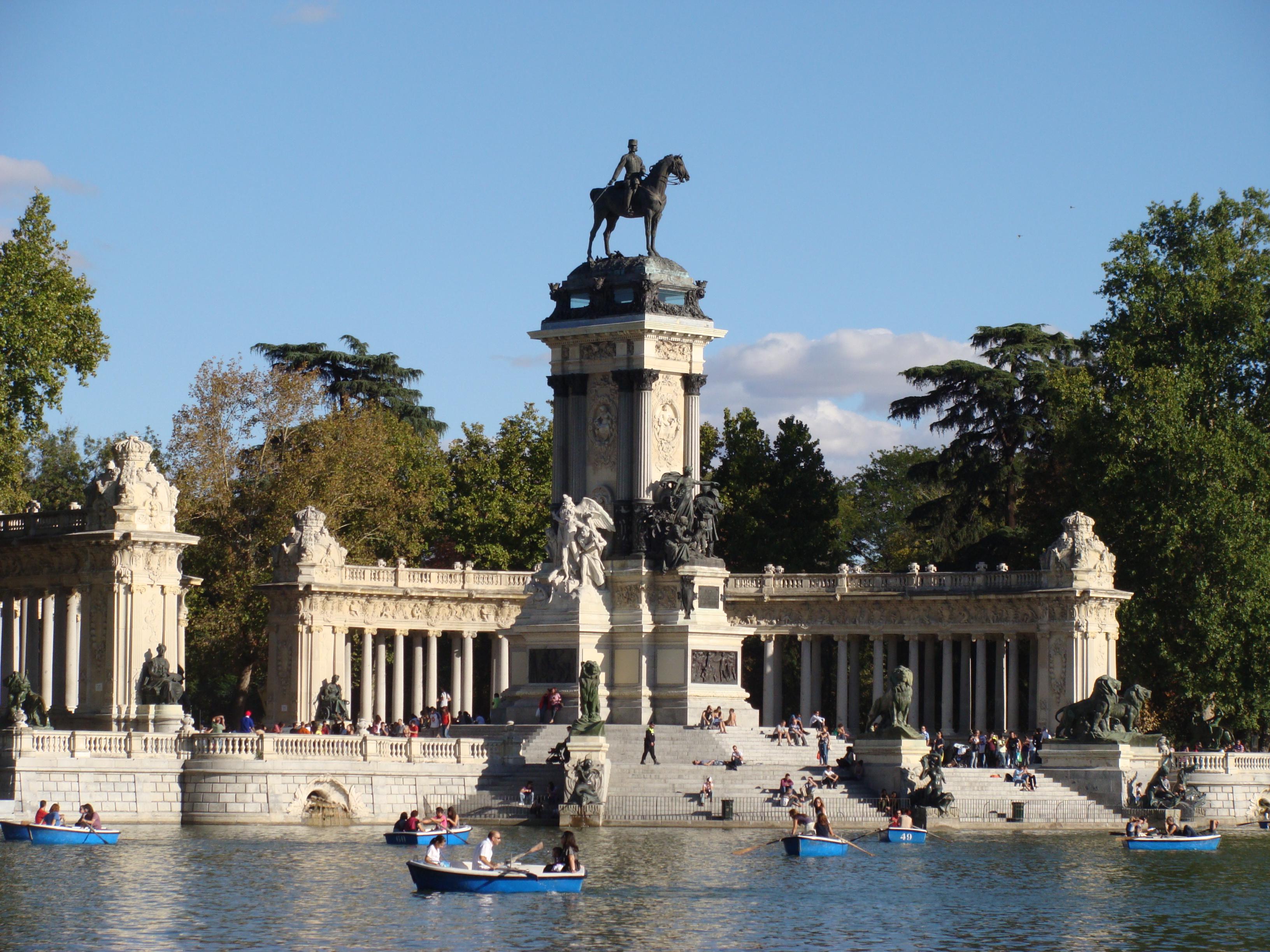 Opinions on buen retiro park for Parque del retiro barcas