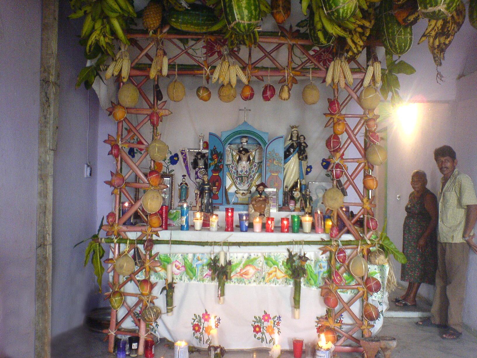 Decoracion Altar De Muertos ~ Decoracion De Un Altar Para La Virgen  apexwallpapers com