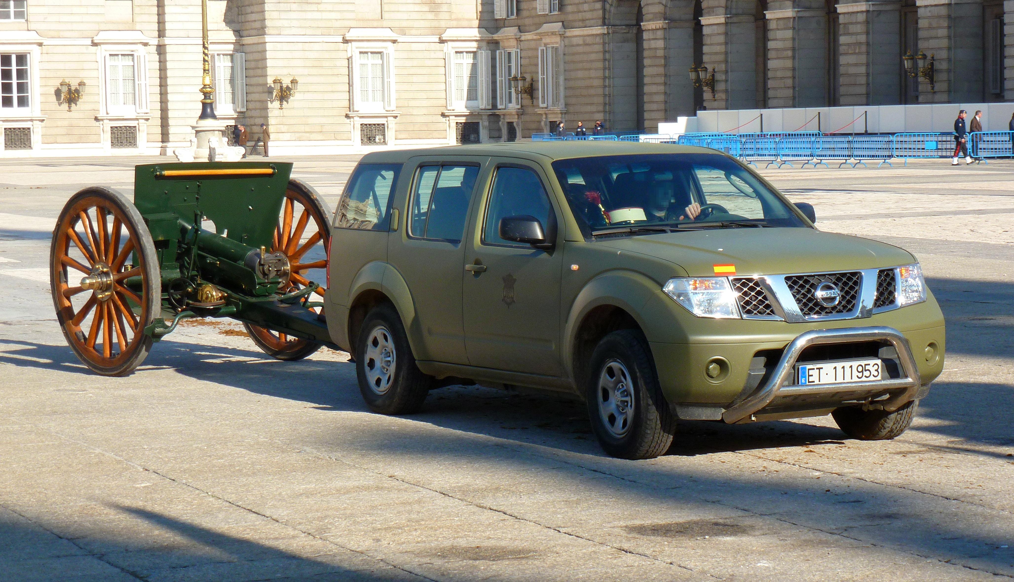 File Nissan Pathfinder E T Jpg Wikimedia Commons