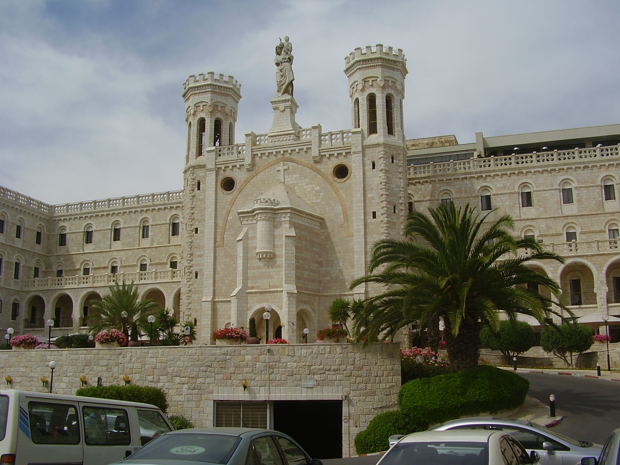 file pikiwiki israel 13137 notre dame hotel in jerusalem. Black Bedroom Furniture Sets. Home Design Ideas