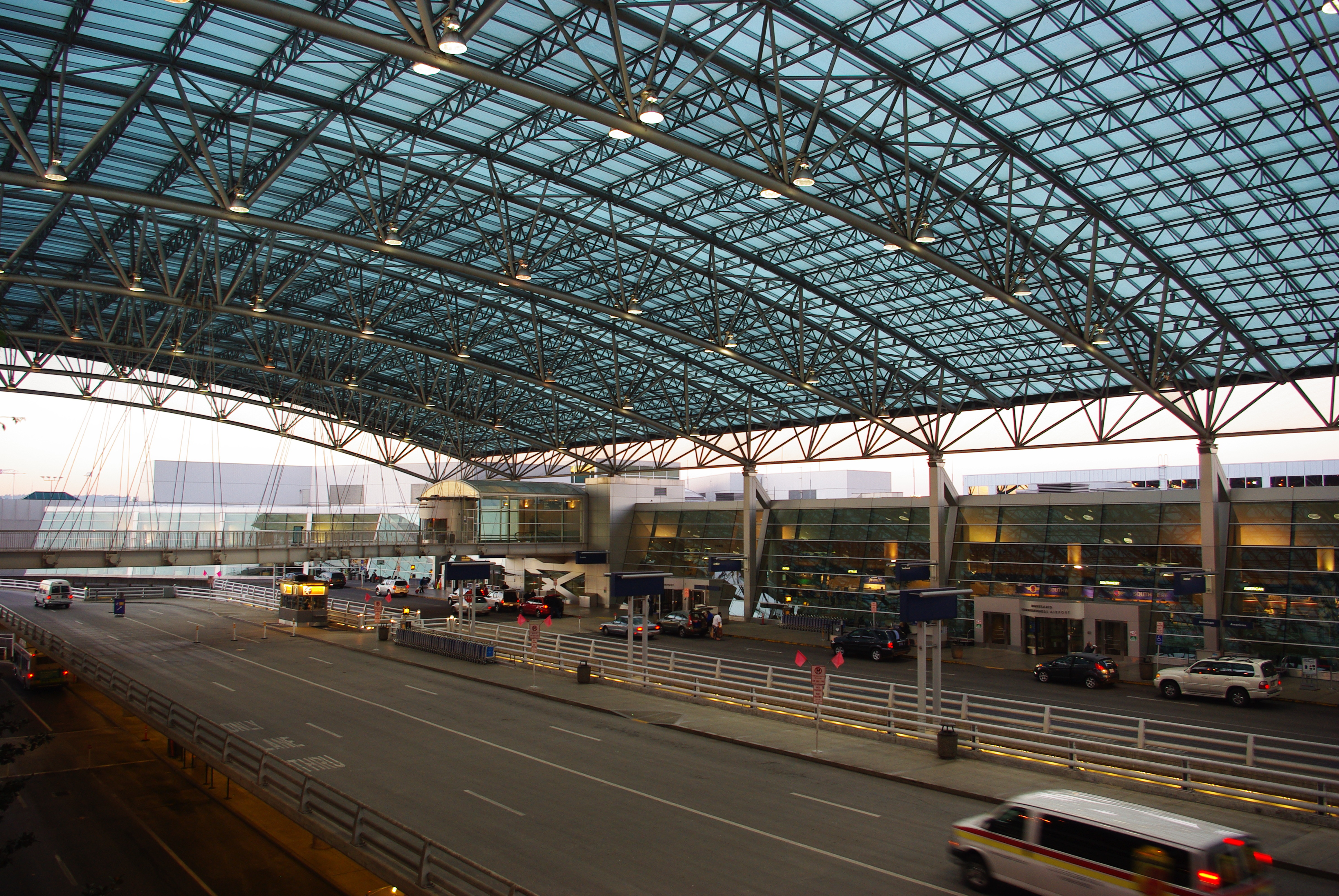 FilePortland International Airport canopy wide - Oregon04.JPG & File:Portland International Airport canopy wide - Oregon04.JPG ...