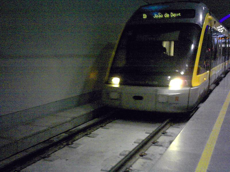 File:Porto Metro trains.JPG