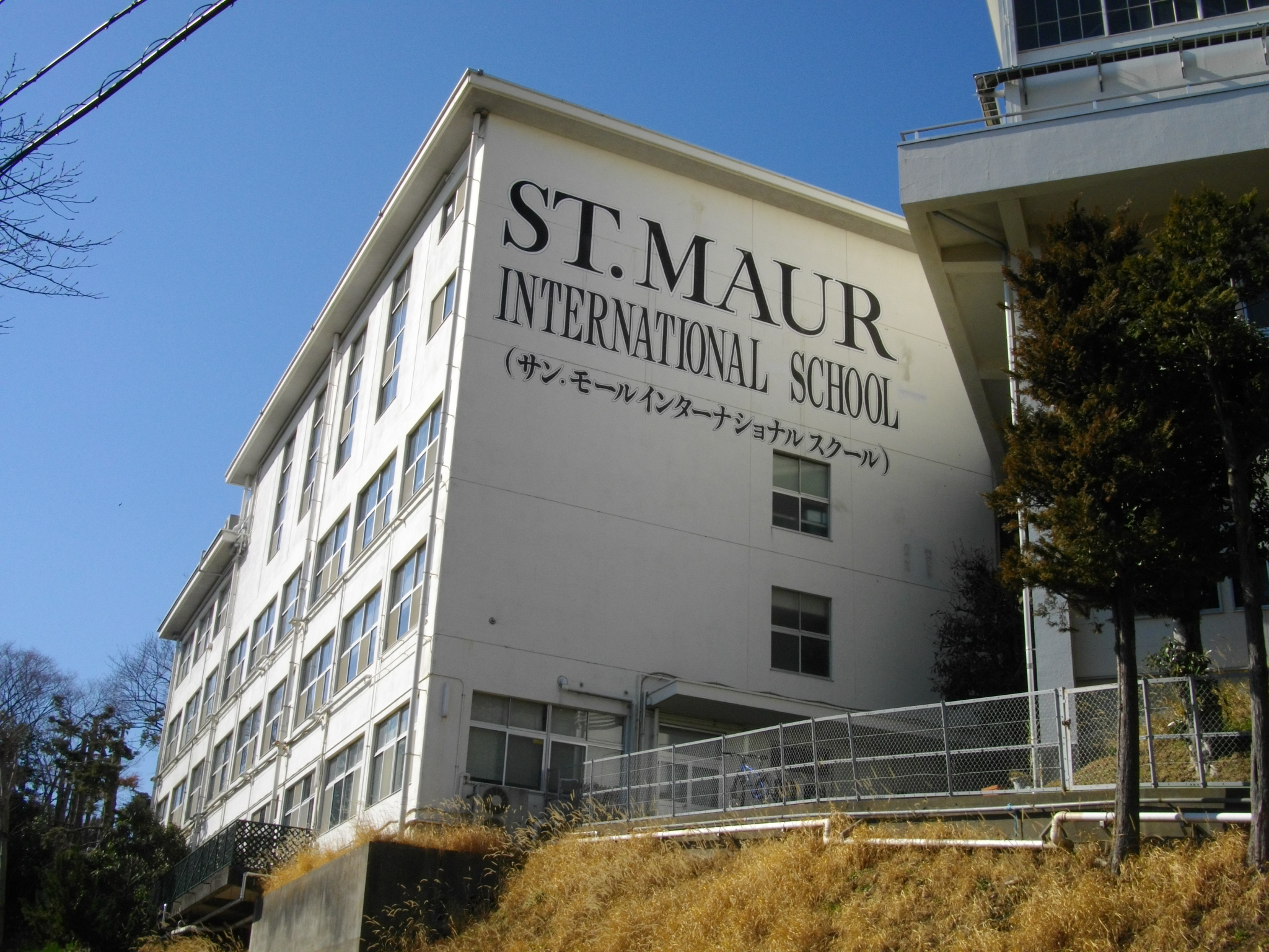 saint maur international school. Black Bedroom Furniture Sets. Home Design Ideas