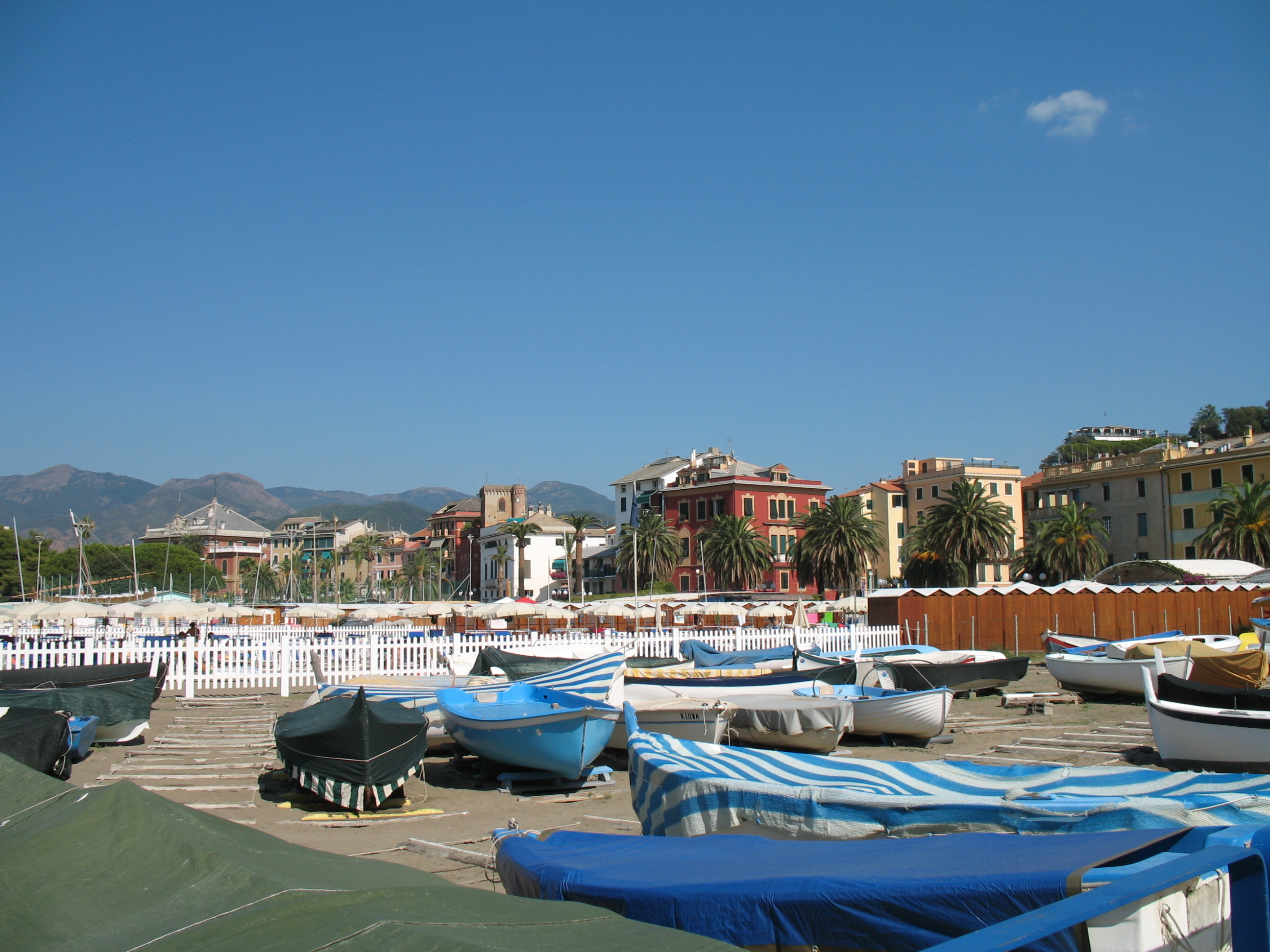sestri levante gay dating site Discover levanto, one of the popular both dating from the 13th century sestri levante (the largest resort on this stretch of coast).