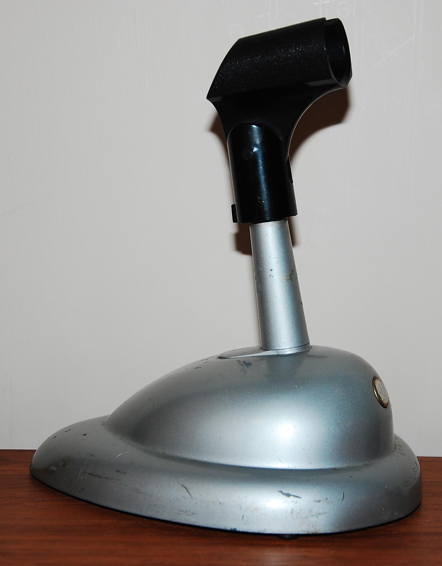 FileShure desktop microphone standjpg Wikimedia Commons