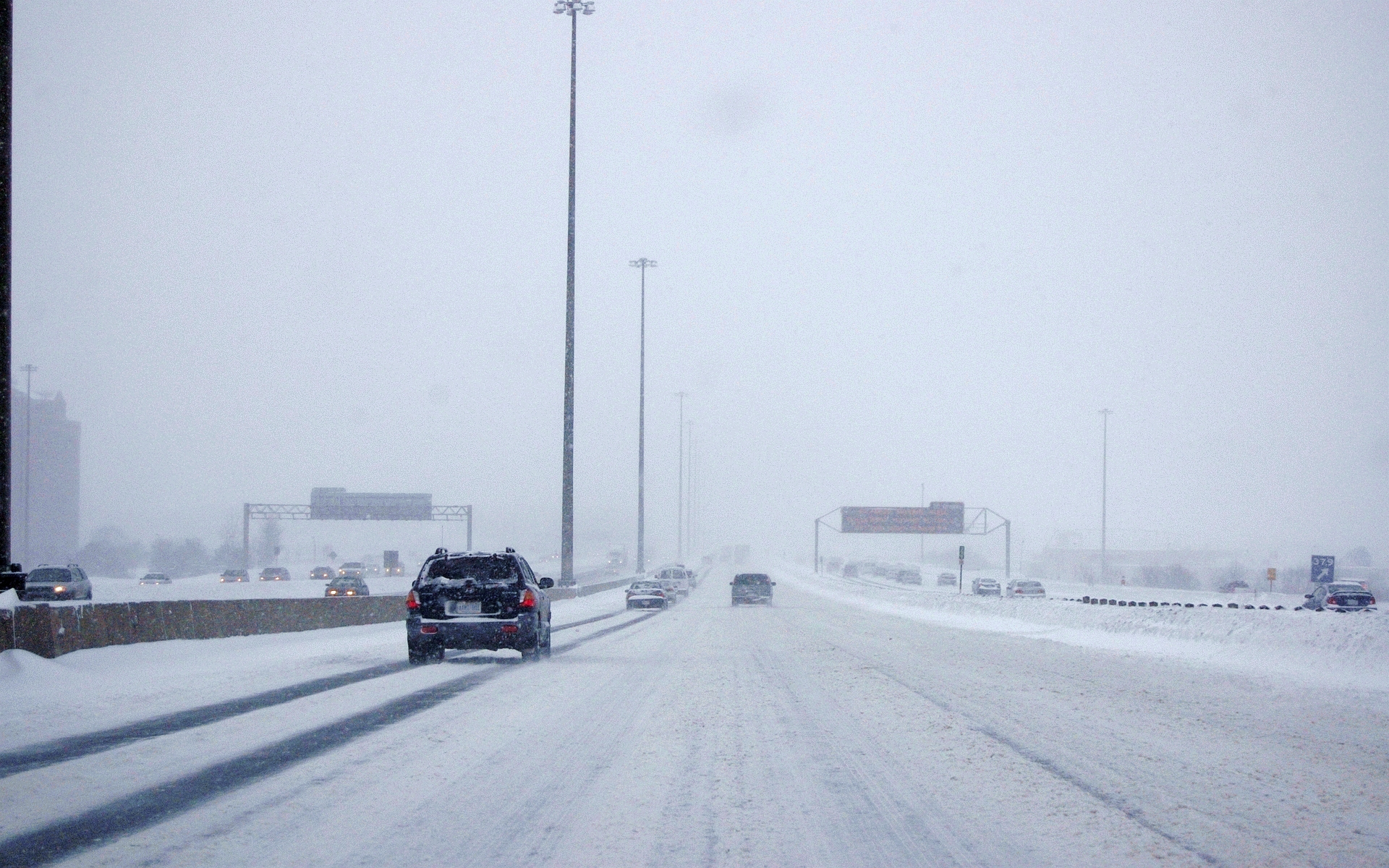 Snowy_Highway_401.jpg