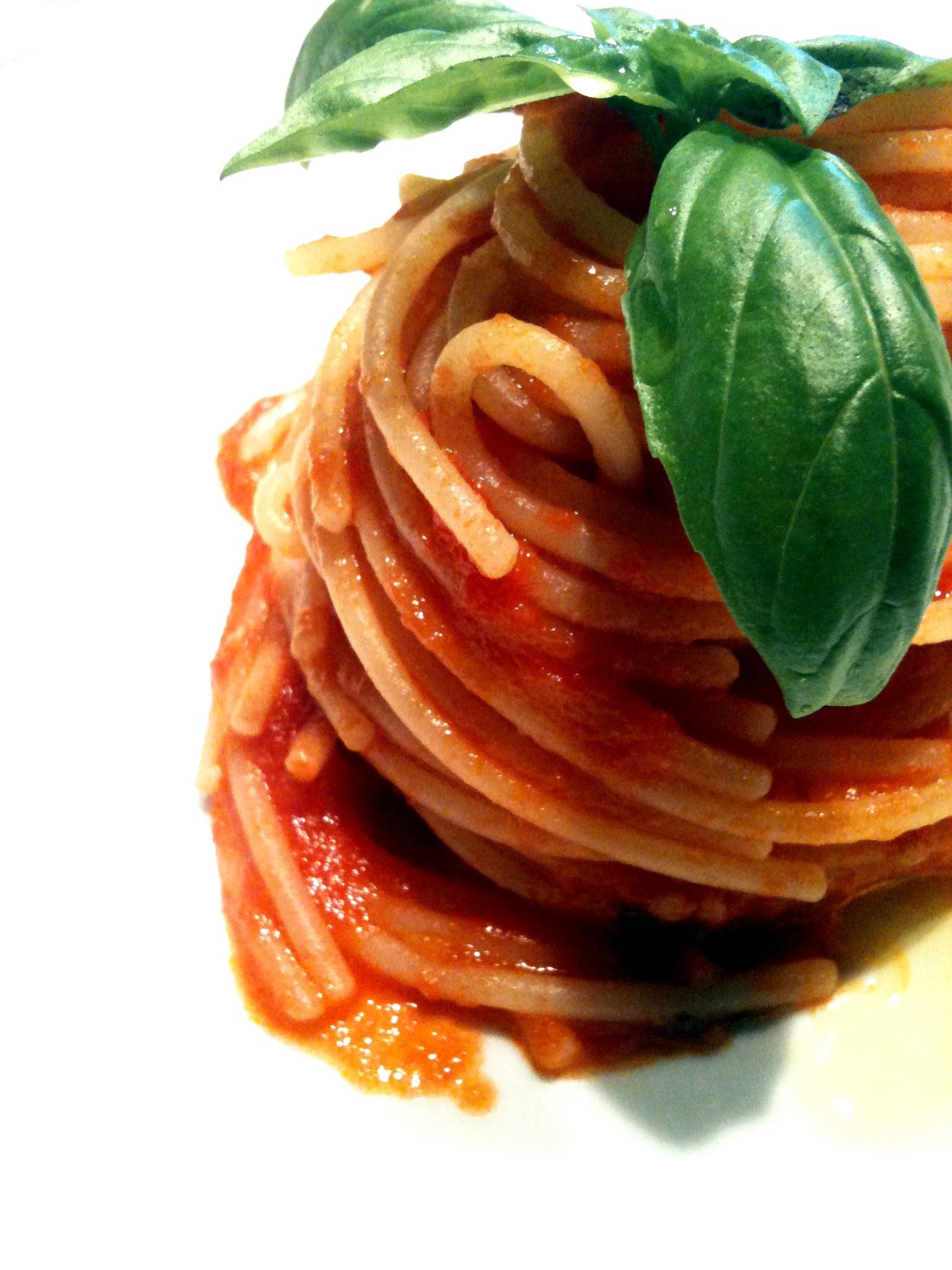 Risultati immagini per spaghetti al pomodoro