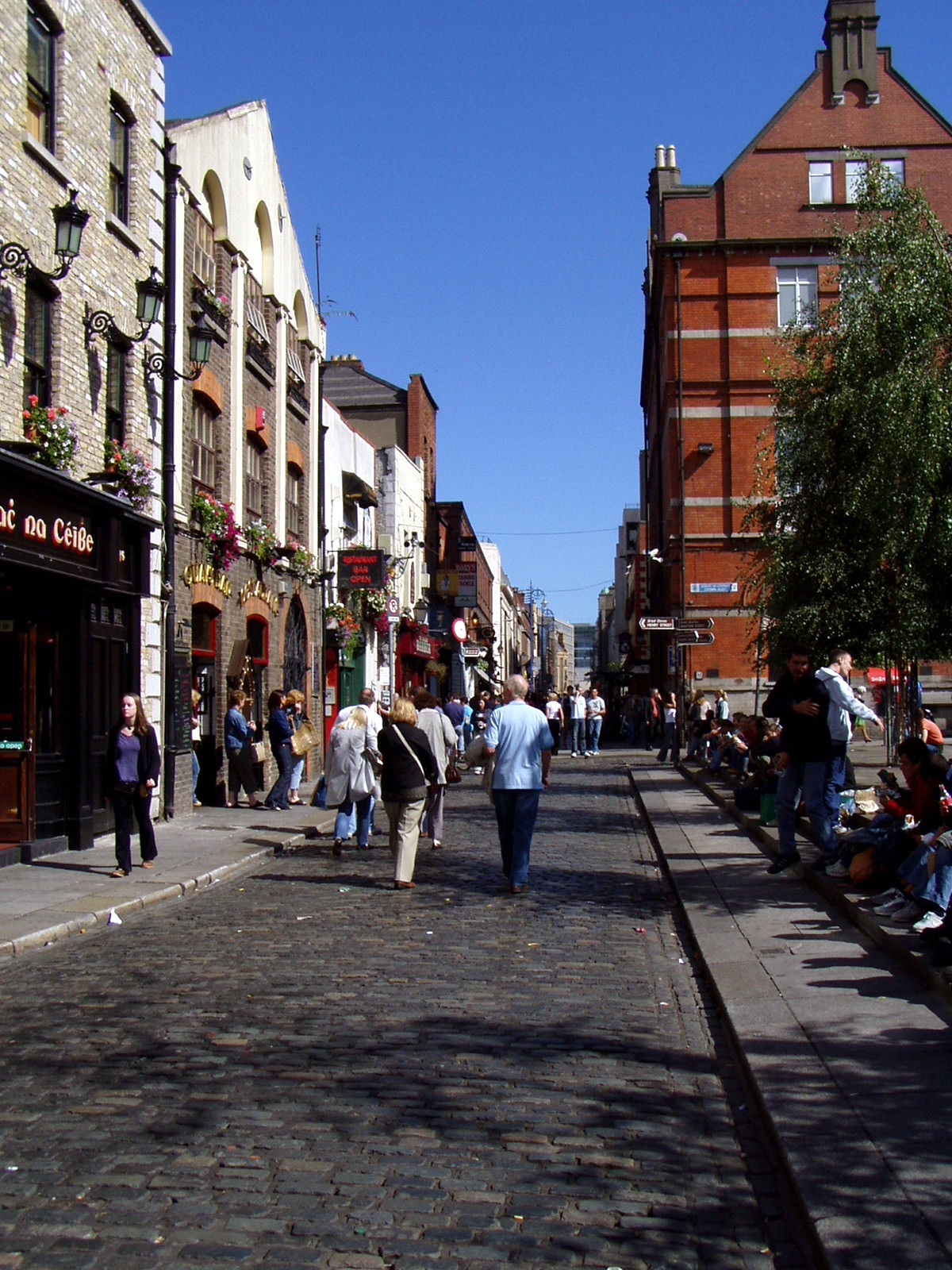 Ditch Dinner and a Movie: 13 Alternative Date Ideas in Dublin