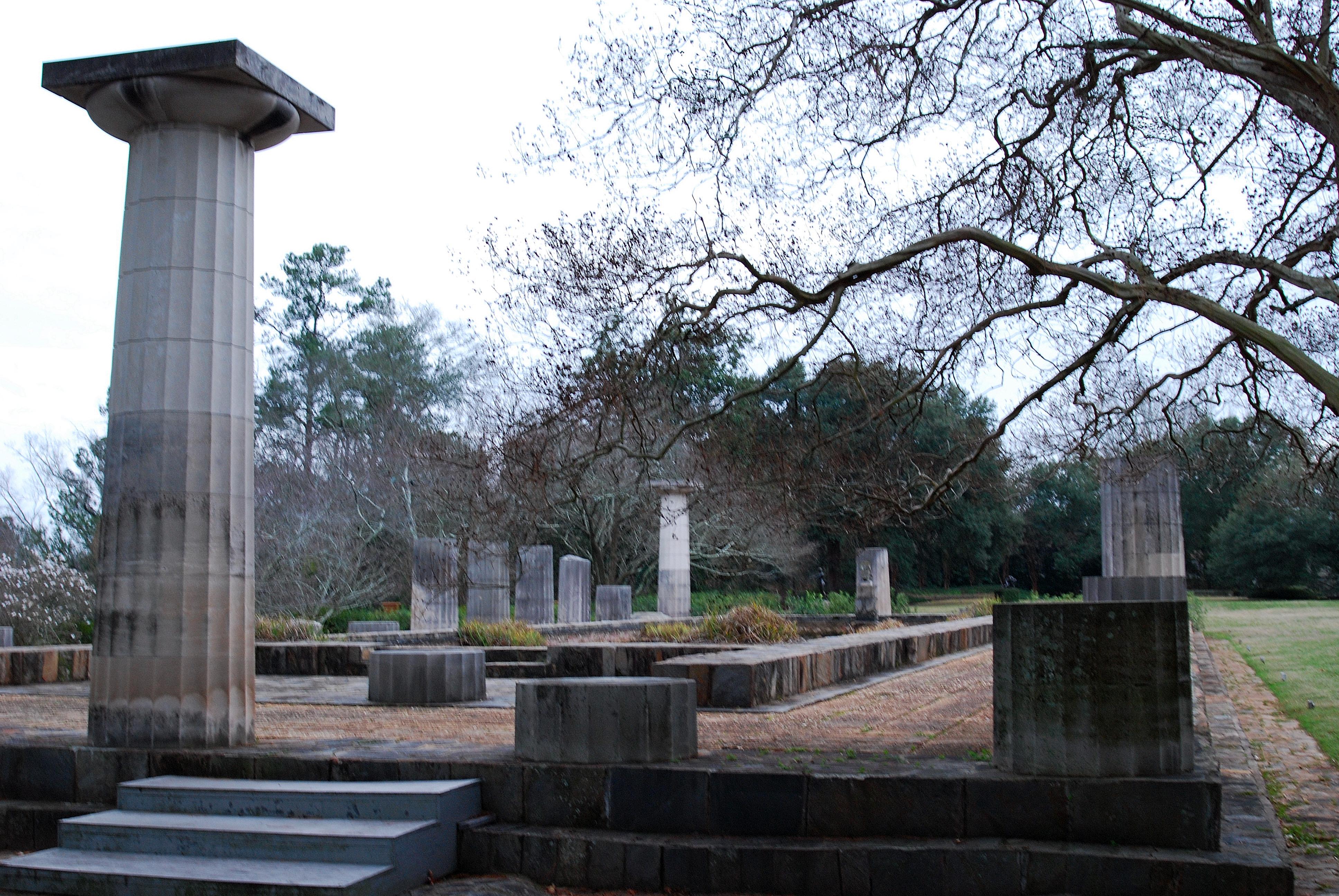 external image Temple_of_Hera_Ruins.JPG