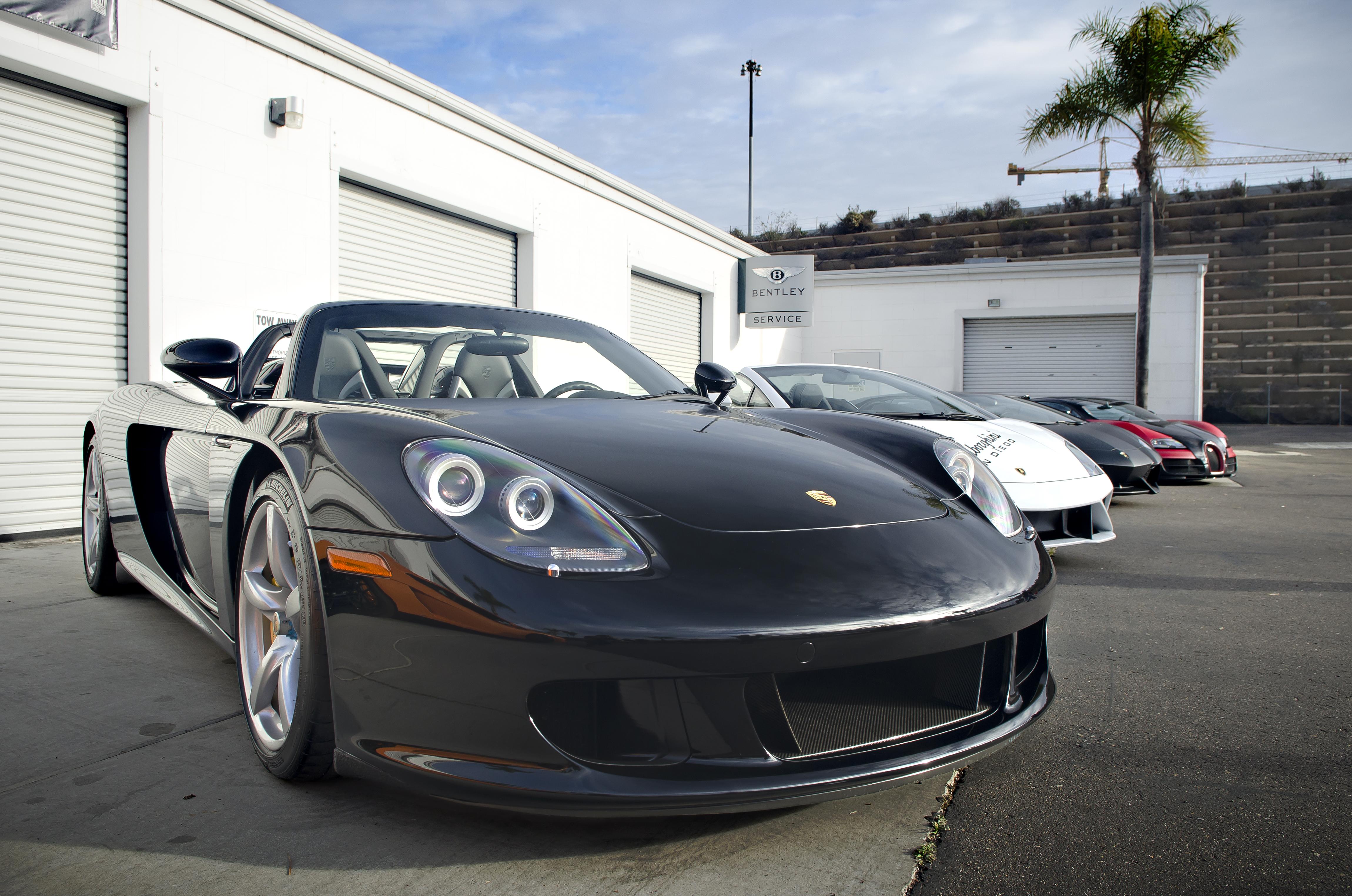 File:The Lineup   Porsche Carrera GT, Lamborghini Gallardo, Lamborghini  Aventador, And