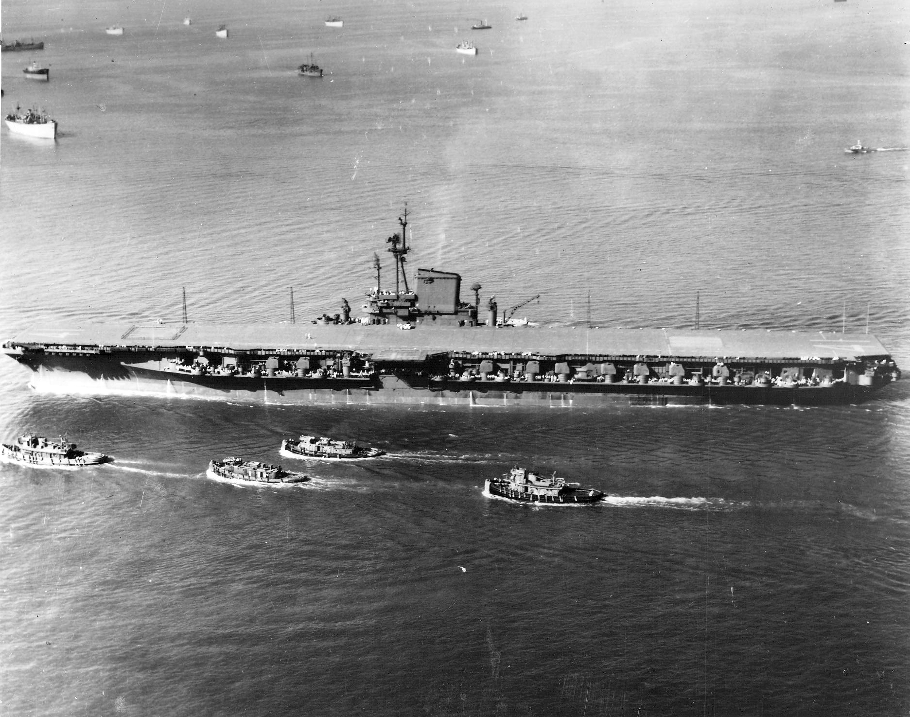 File Uss Midway Cvb 41 Underway On 10 September 1945 Jpg Wikimedia Commons