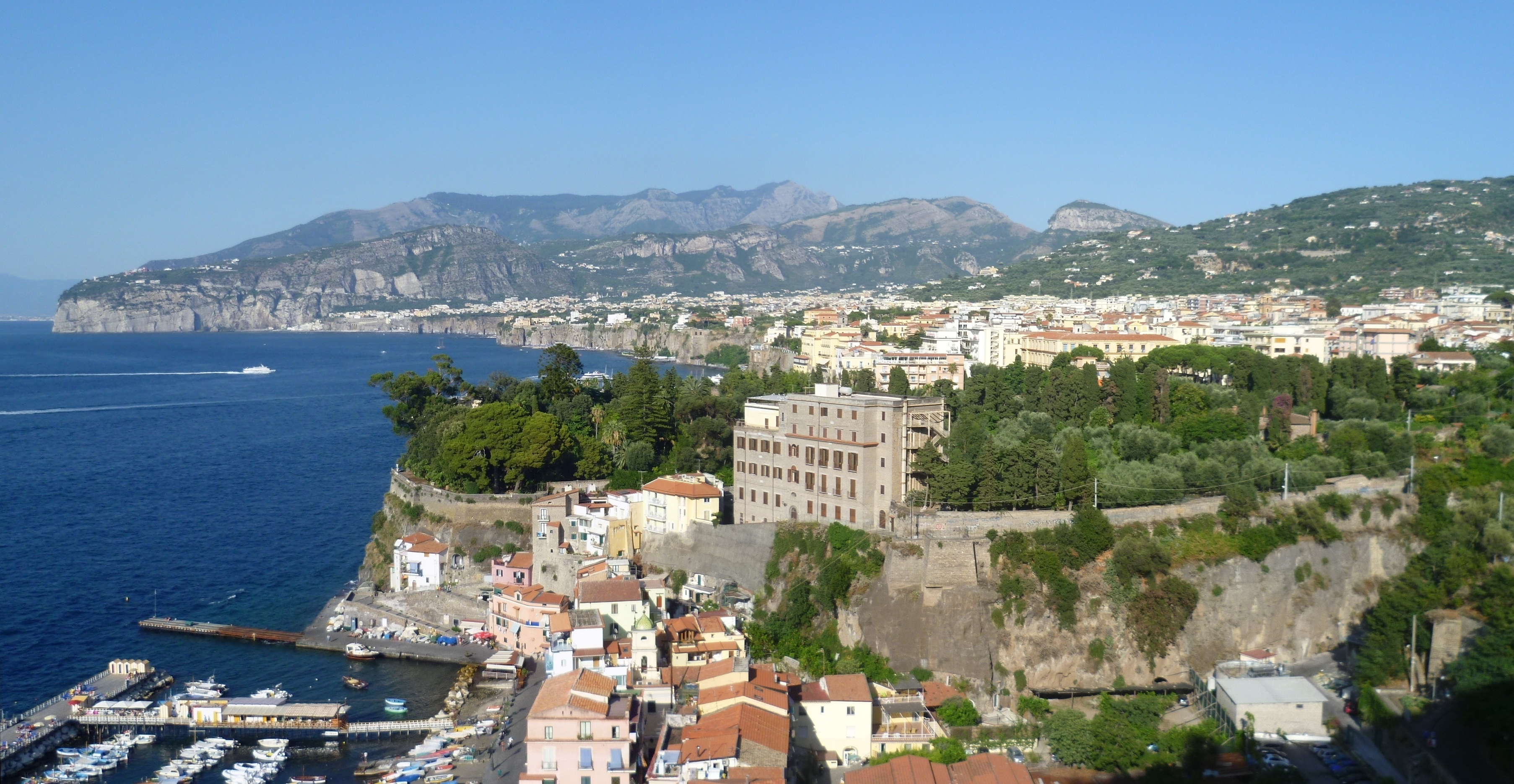 Sorrento - Wikipedia