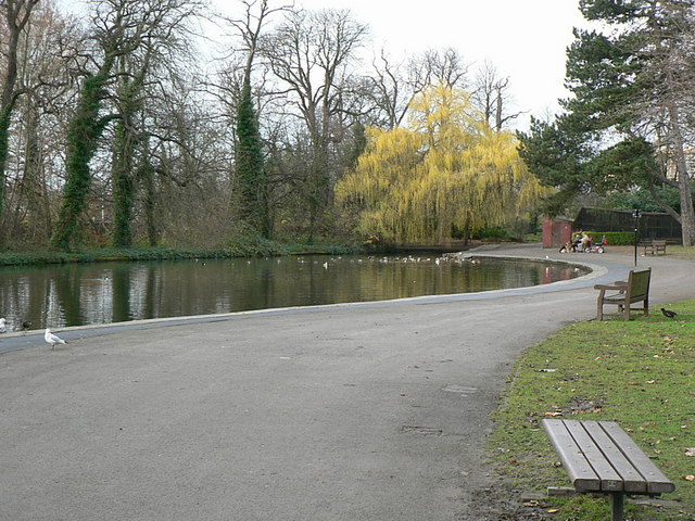 West end of the lake, Holmfield Park - geograph.org.uk - 287620