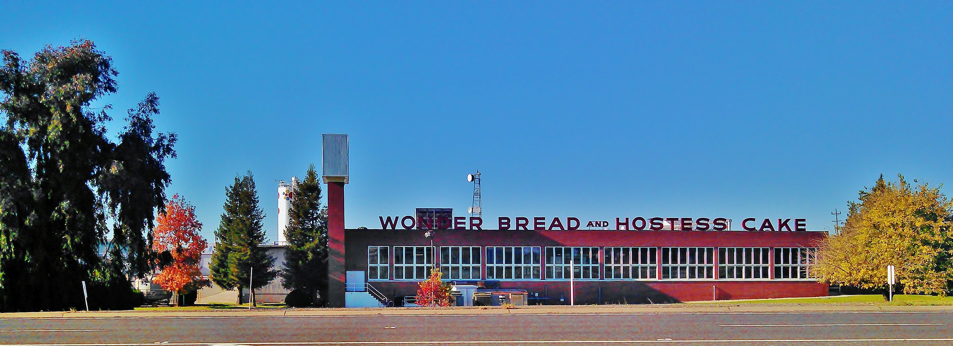 File:Wonder Bread Hostess bakery jpg - Wikimedia Commons