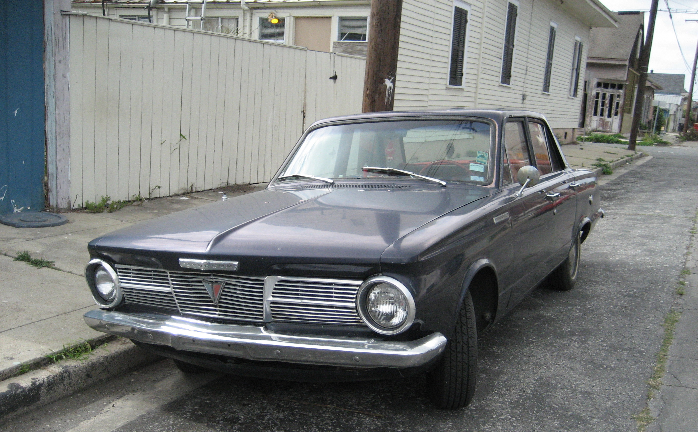 File:1965 Plymouth Valiant 100 black front.jpg