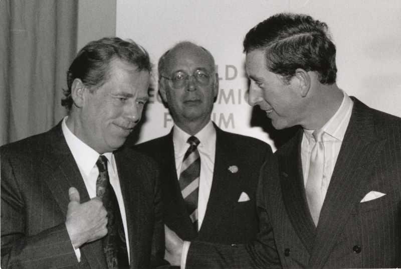 File:1992 World Economic Forum - Vaclav Havel, Klaus Schwab, HRH The Prince of Wales.jpg