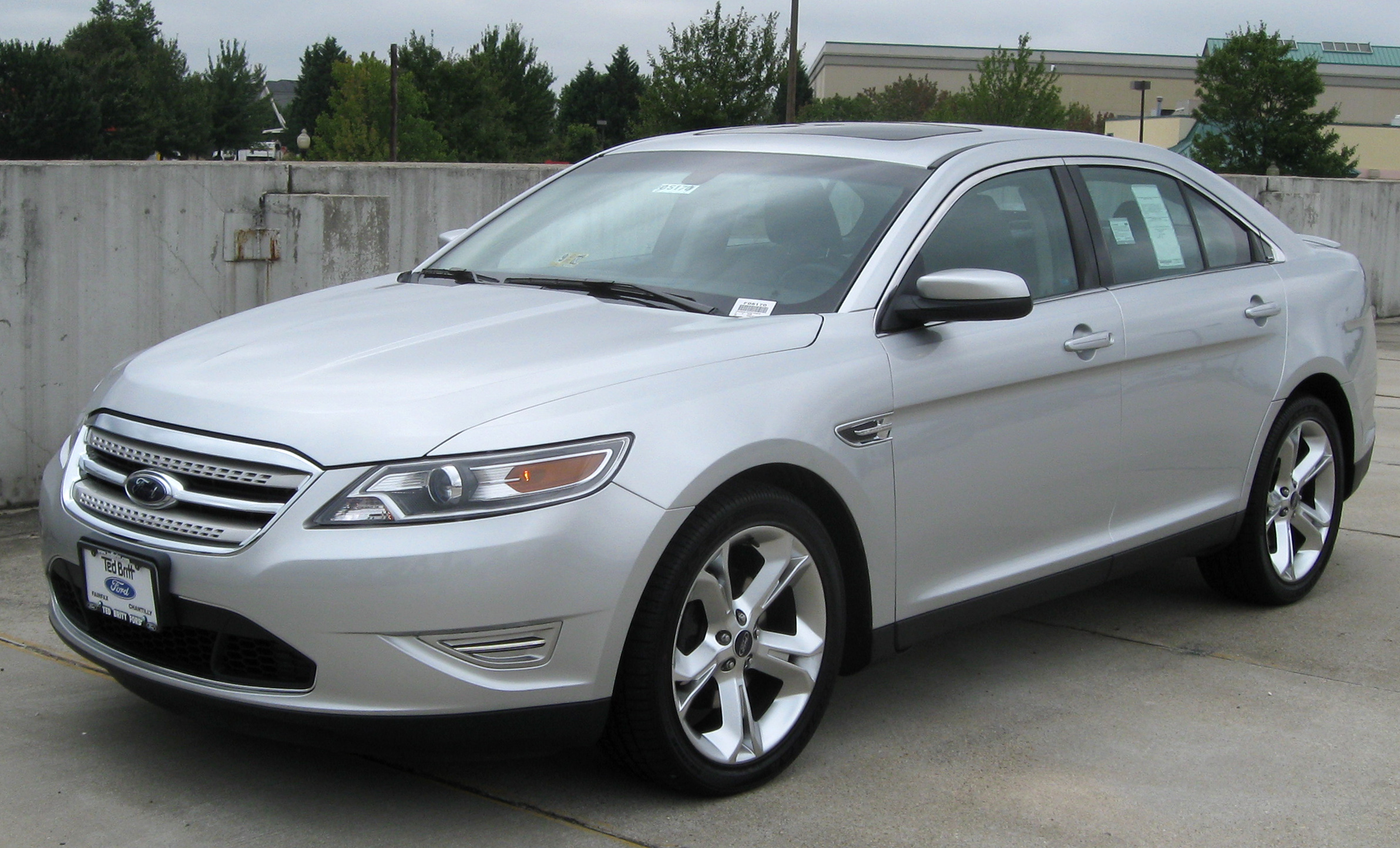 Ford Taurus Limousine Ford Taurus Sedan 2009–2012