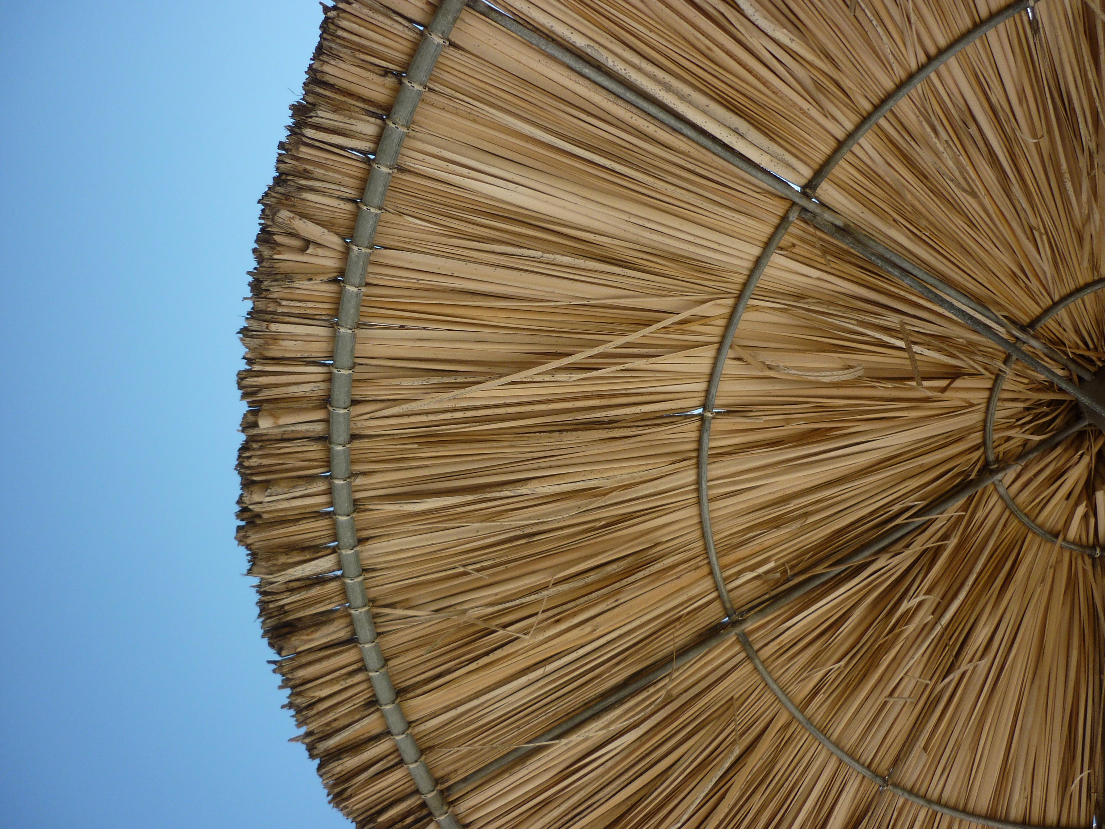 File:20120627 parasol de plage.   Wikimedia Commons