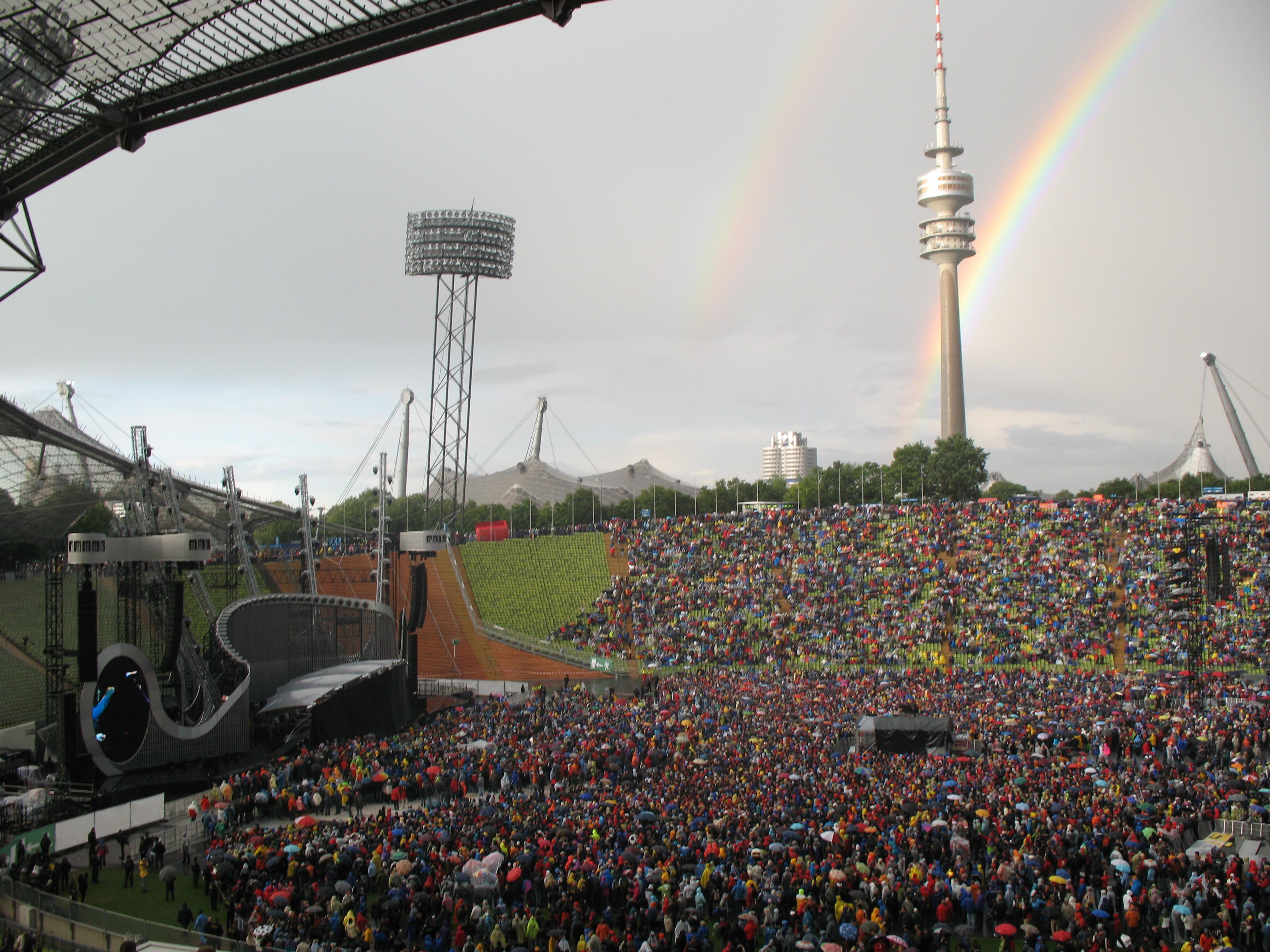Datei 2530 M 252 Nchen Olympiaturm From Olympiastadion