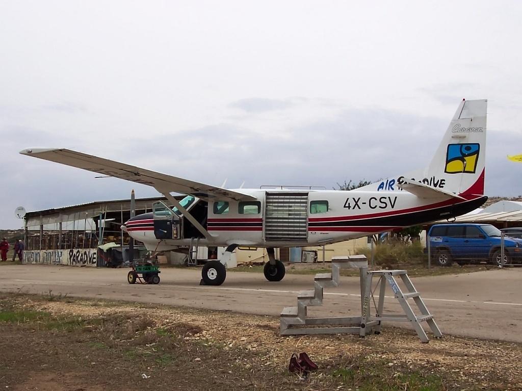 File:4X-CSV Micha Sender - Airliners jpg - Wikimedia Commons
