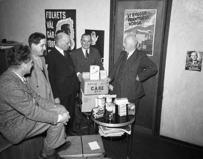 File:AP får gaver fra USA 1947.jpg
