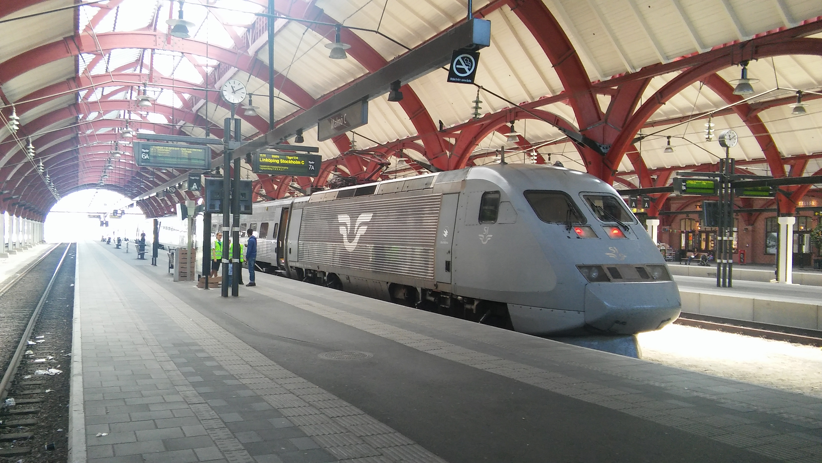 File:ASEA X2 at Malmö centralstation in 2016 jpg - Wikimedia