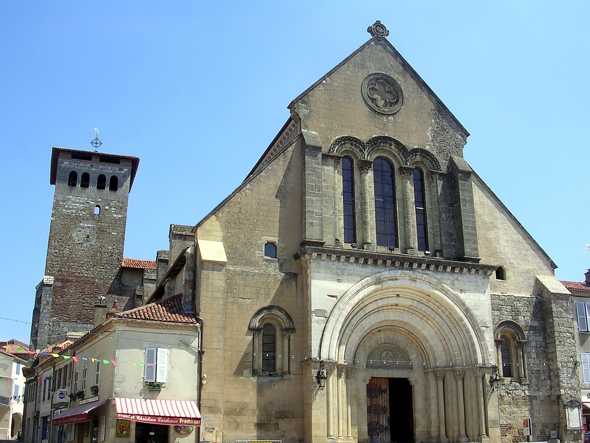 http://upload.wikimedia.org/wikipedia/commons/f/f8/Abbaye_St_Sever_1.JPG
