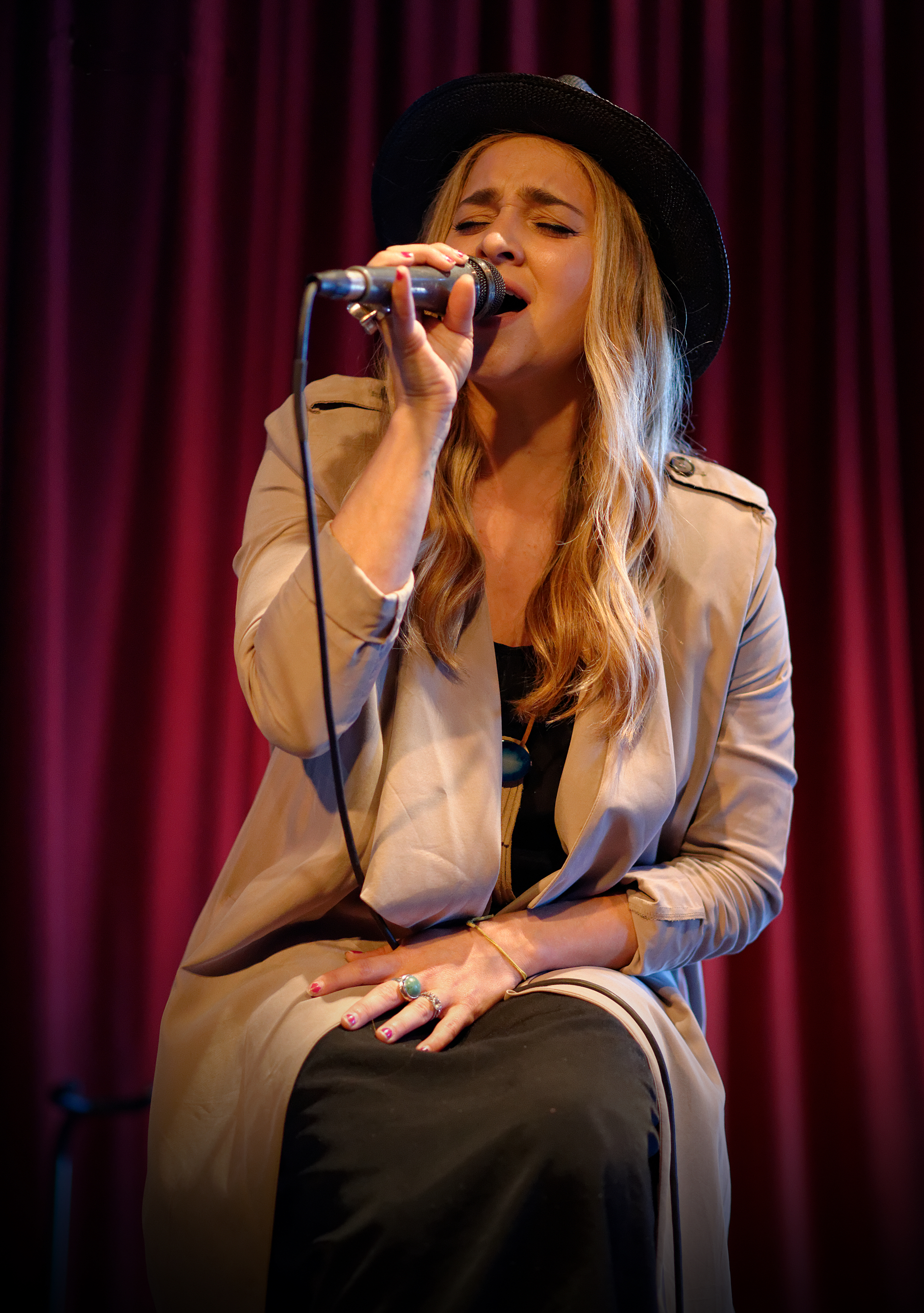 Alyssa Labelle Hot the voice (american season 10) - wikipedia