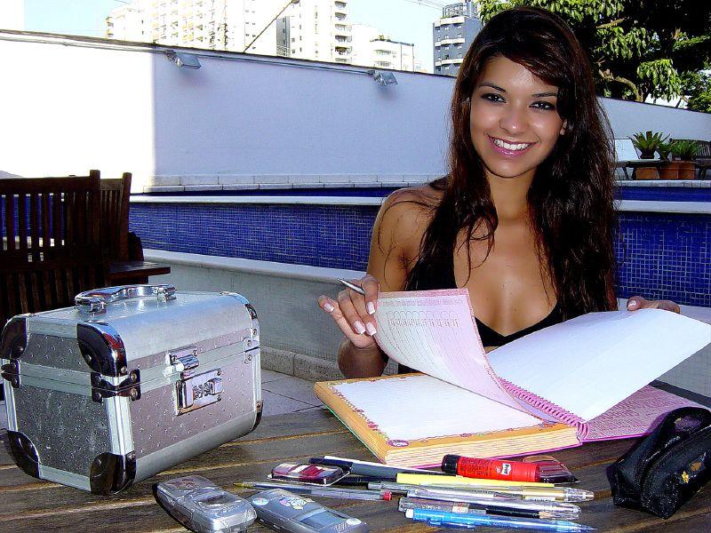 Une étudiante satisfaite