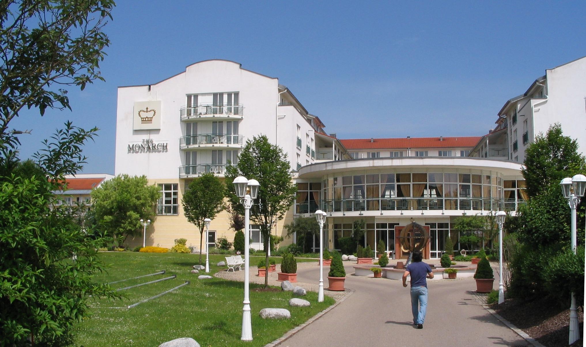 Hotel Monarch Bad Gogging Tanz