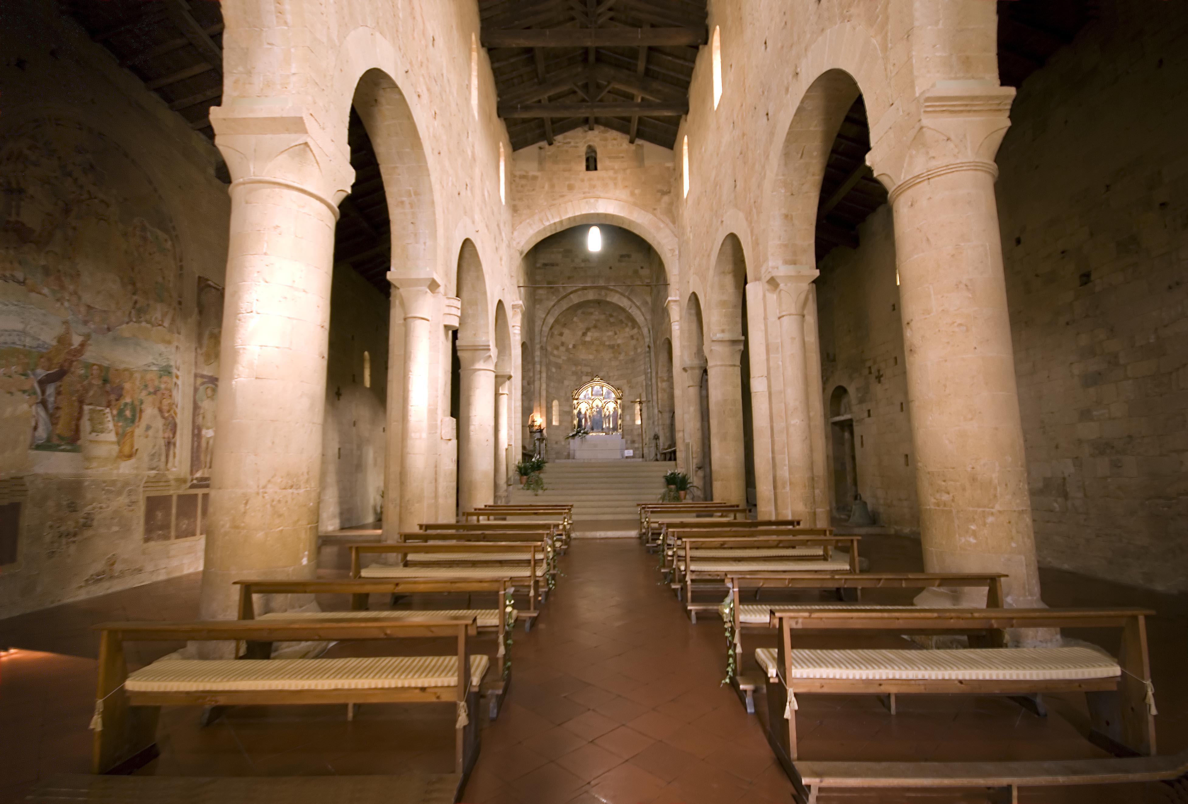Badia dei Santi Salvatore e Cirino (Abbadia Isola), Interiore