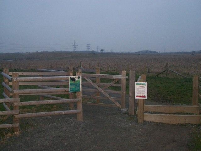 Bridleway entrance to Jeskyns - geograph.org.uk - 1112228