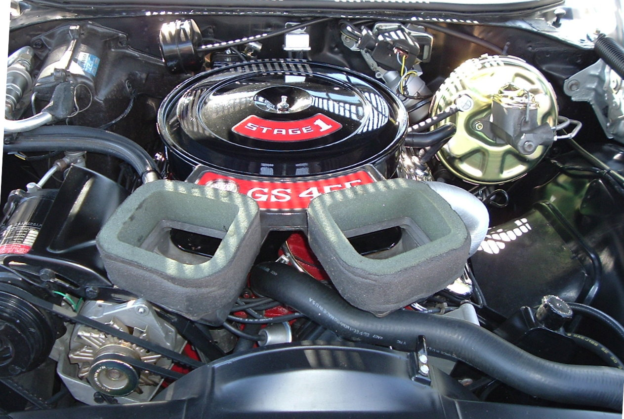 455 Olds Engine Photos http://commons.wikimedia.org/wiki/File:Buick_455_Stage_I_Engine.JPG